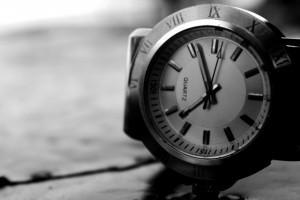 ドイツ語会話「今、何時ですか?」・時間の言い方は?